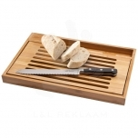 Bistro cutting board with bread knife